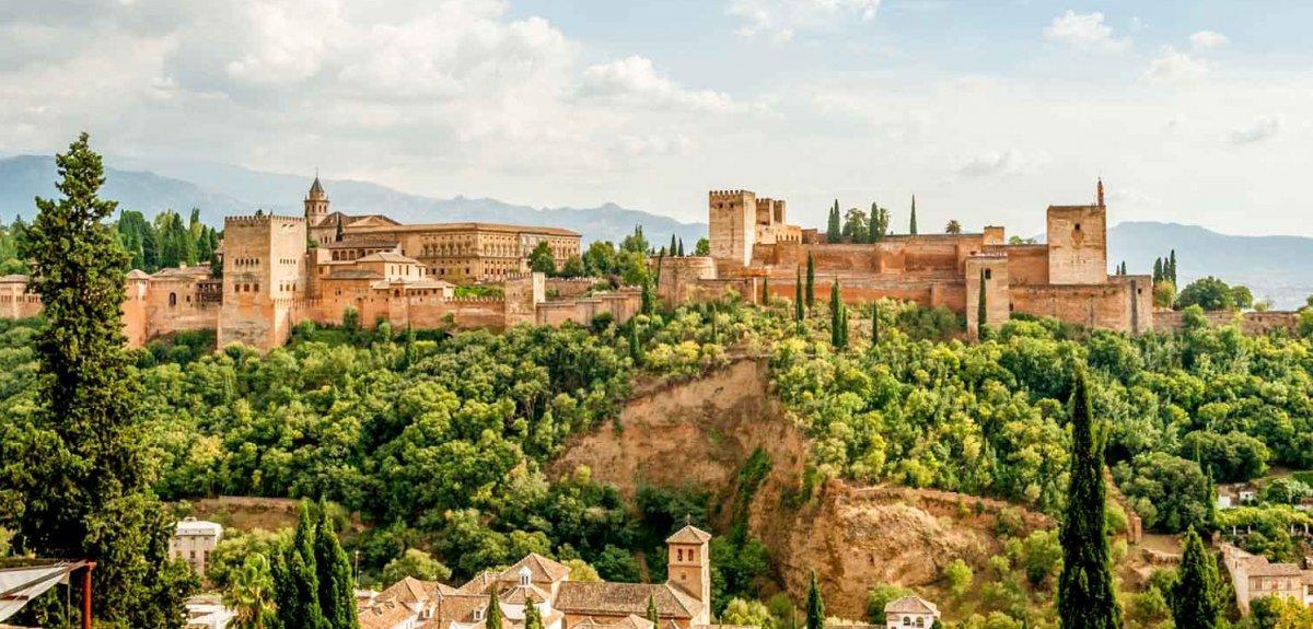 Красный дворец Альгамбра alhambra в Испании фото описание где находится достопримечательности